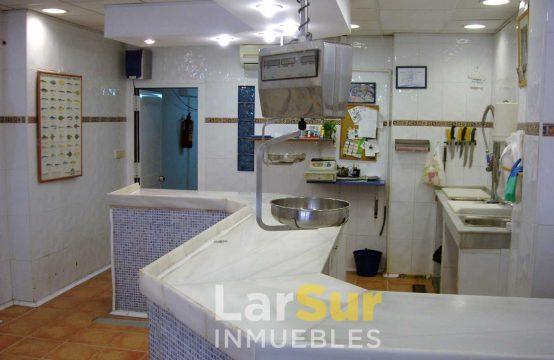 Local con apartamento en venta en Calle Las Flores
